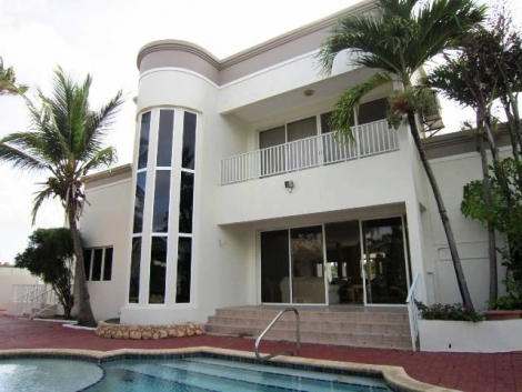 Stunning Villa in Oranjestad, Aruba