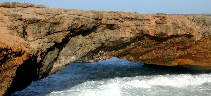 unbelieveable Natural Bridge in Aruba